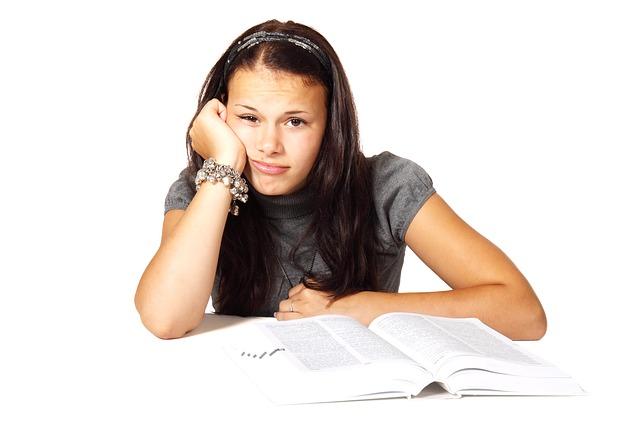 高学歴女子が副業で脱貧困できた理由とは?旧帝大院卒女子の体験談